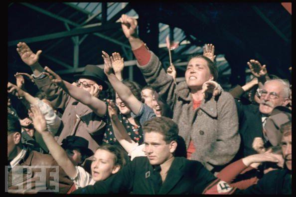Manifestación en 1938 a favor de la incorporación de Austria a Alemania