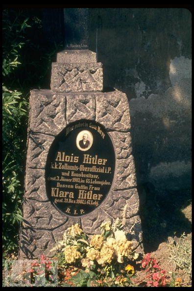Tumba de Alois Hitler, padre del Führer